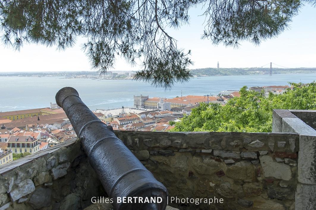 LISBONNE - Vu sur le Tage depuis le chateau de Sao Jorge