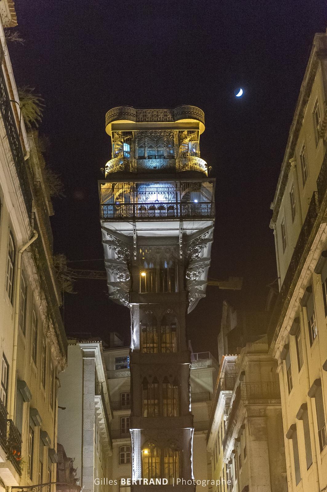 LISBONNE - Ascenseur de Santa Justa de nuit