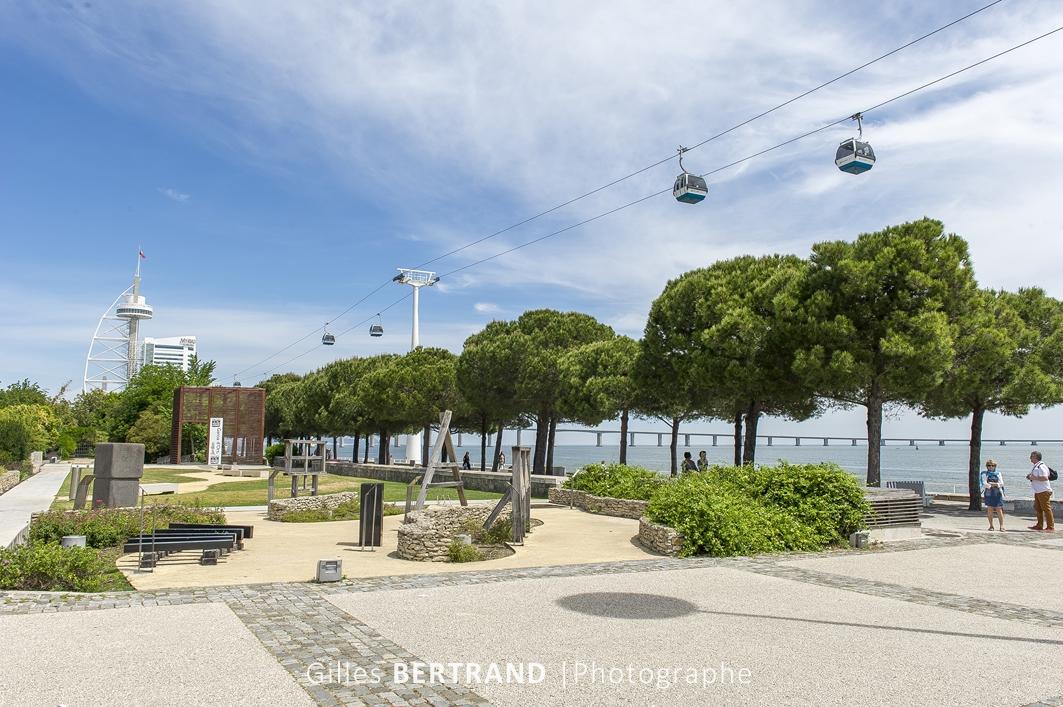LISBONNE - Le quartier des Nations construit pour l'exposition universelle de 1998, le telepherique construit le long du Tage. A Lisbonne
