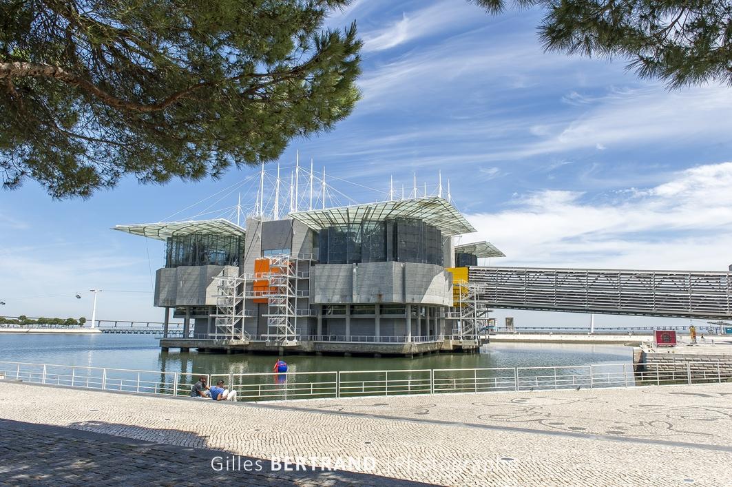 LISBONNE - L'Aquarium / Océanorium de Lisbonne dans le quartier des Nations construit pour l'exposition universelle de 1998