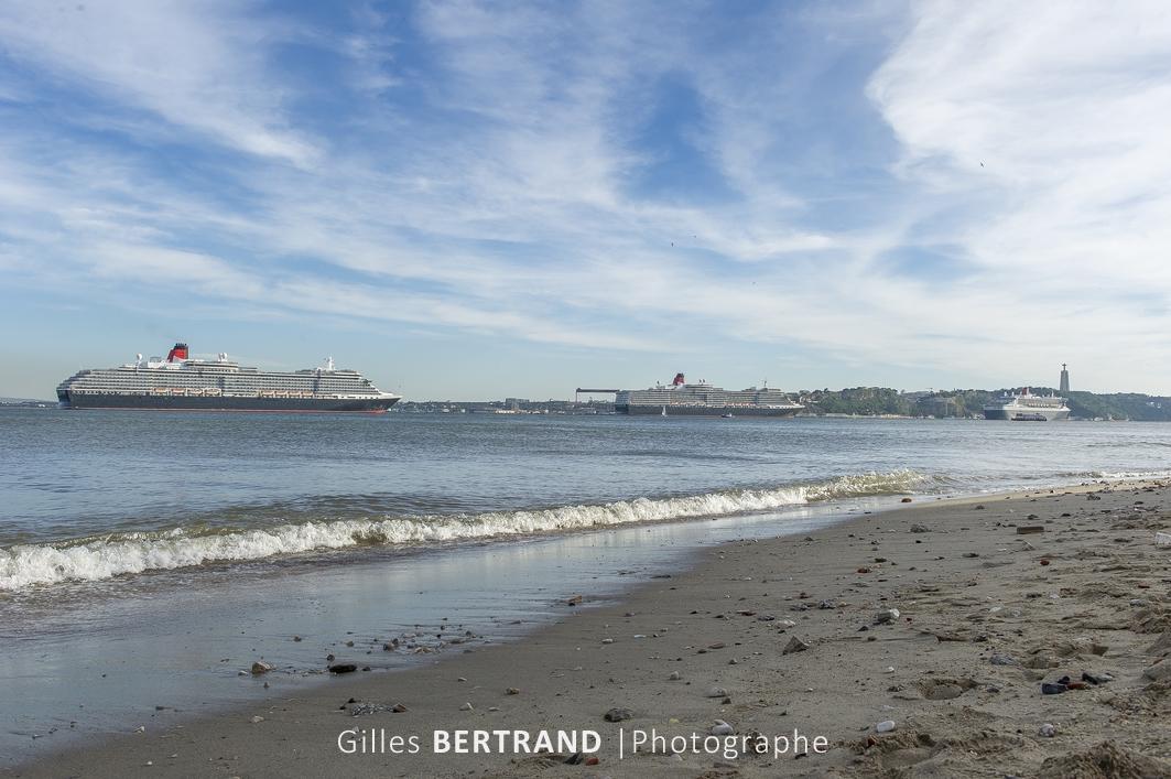 LISBONNE - les trois principaux paquebots de croisiere de la compagnie de navigation CUNARD, le QUEEN VICTORIA, le QUEEN ELISABETH, le QUEEN MARY, se sont retrouves amarres au port de Lisbonne