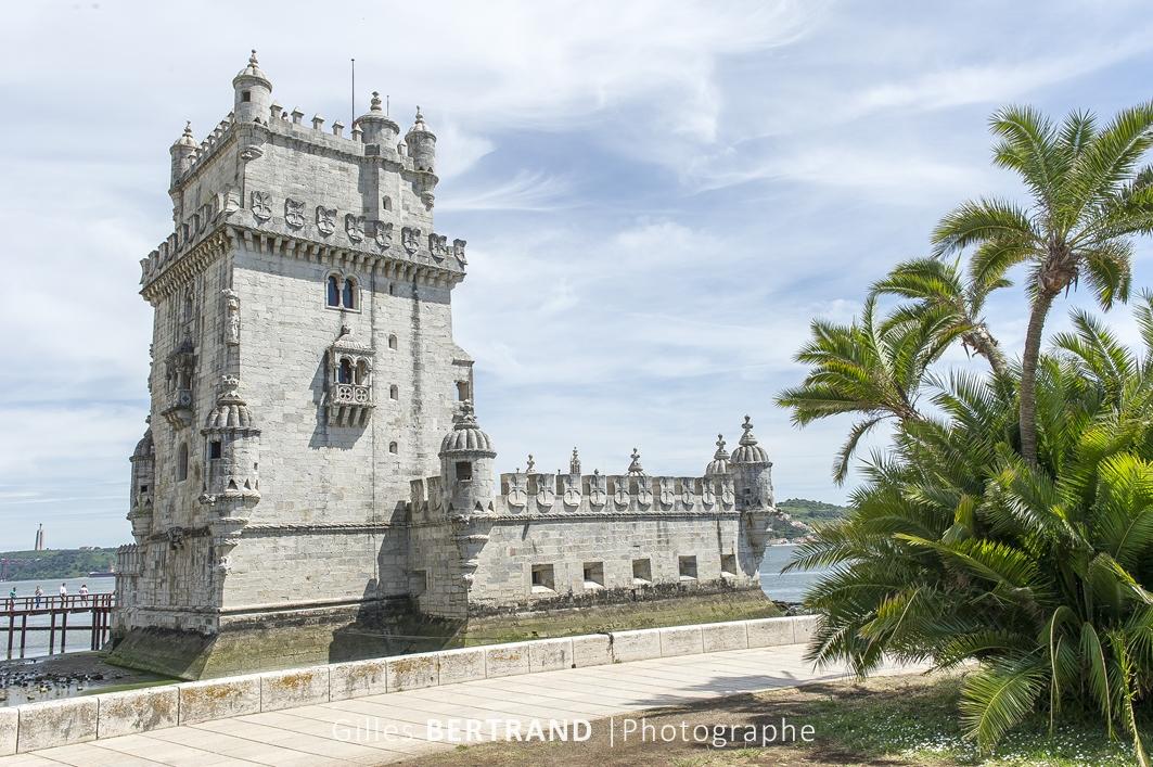 LISBONNE - La Tour de Belem a ete construite sur les bords du Tage dans la freguesia de Santa Maria de Belem entre 1515 et 1521 par le roi Manuel Ier de Portugal pour garder l'entree du port de Lisbonne. Elle a ete inscrite sur la liste du patrimoine mondial de l'UNESCO en 1983