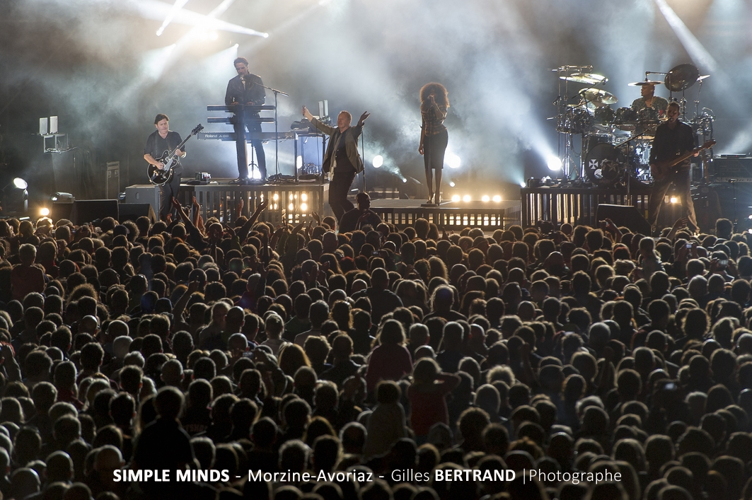 FOULE CONCERT SIMPLE MINDS JIM KER