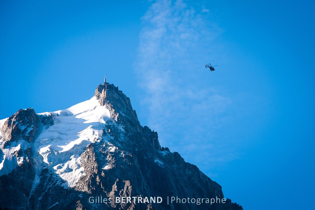 PAYSAGE HELICOPTERE AIGUILLE MIDI