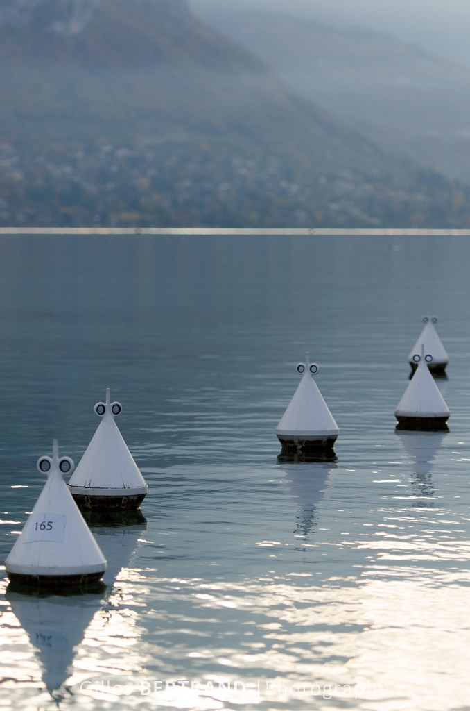 BOUEES LAC ANNECY