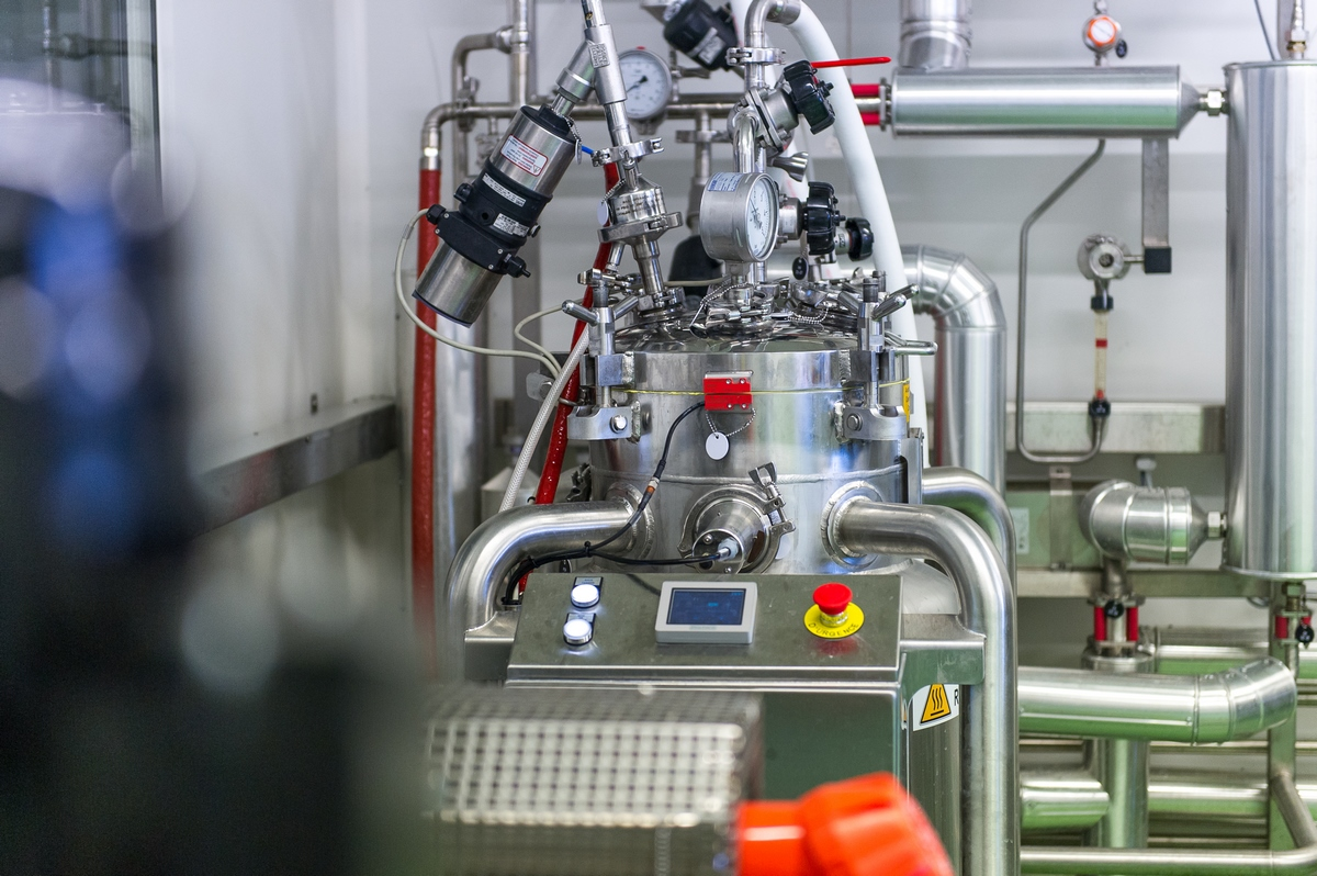 MACHINE-FABRICATION-FERMENTS
